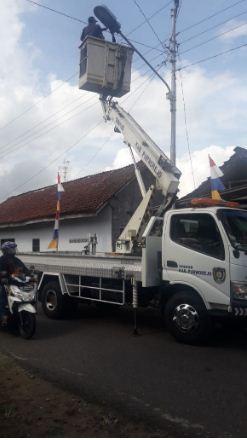 Perbaikan Lampu PJU di Jalan Menuju Heroespark